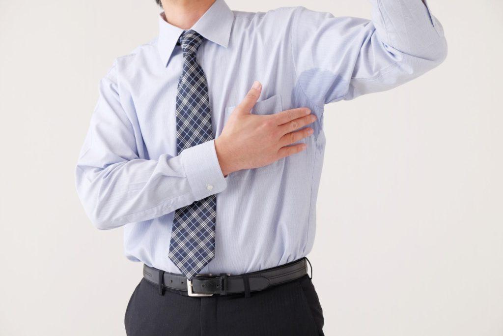 夏の男性の悩み「ワキ汗」!を制御する人気のアイテムとは!