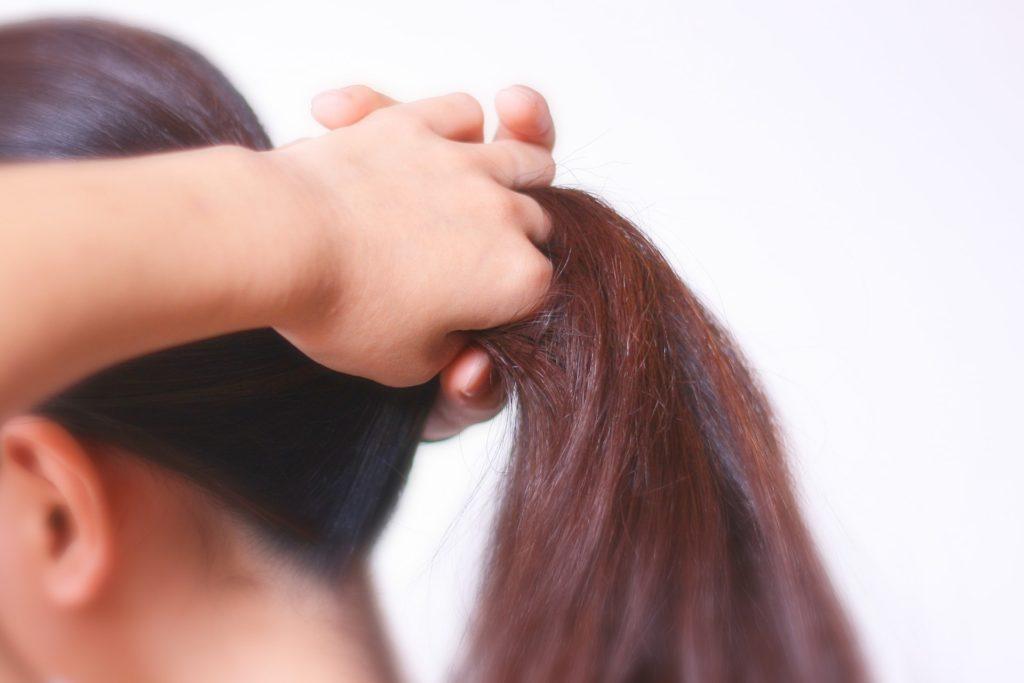 女性の薄毛の原因のけんいん性脱毛症とは