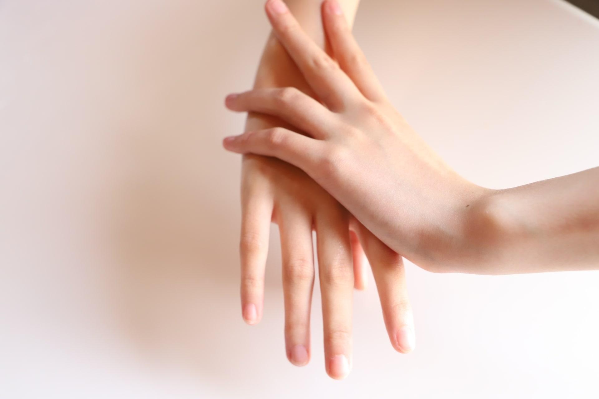 ハンドケアの基本!美しい手は見惚れる!