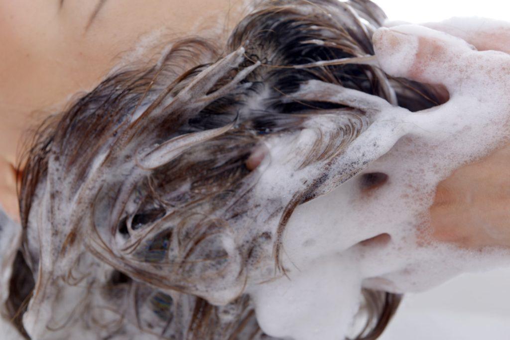 正しい髪の洗い方で、美しい髪になろう!