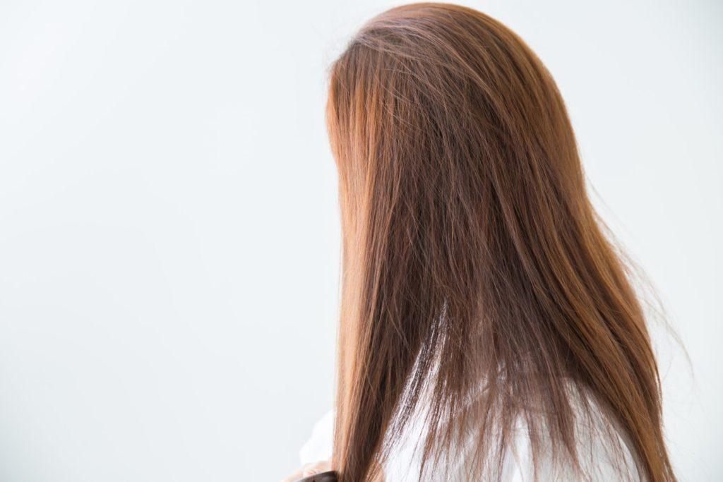 頭部全体が薄くなる薄毛の症状【女性型脱毛症】